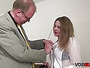 Schon Brunette Madchen Gefickt Und Creampied