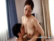Jap Milf Giving A Blowjob And Getting Her Hairy Pussy Licked By