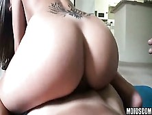 Megan Fenox Gets Pov Fucked And Jizzed On Her Ass