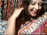 Horny Indian Desi Aunt Flashes On Webcam Show