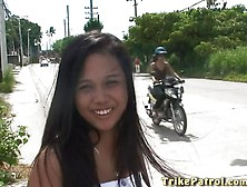 Charming Filipina Gets Picked Up