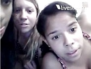 3 Novinhas No Twitcast - 3 Horny Teenagers Flashing
