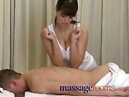 Donna Formosa Fa Un Massaggio Voglioso