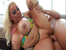 Pamela peaks escorts Amy Anderssen Is In Trouble With The Canadian IRS - The Dirty – Gossip
