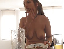 Caroline Scat And Piss Lunch Webcam Show 'hd