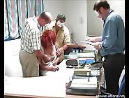 Epouse Offerte Au Bureau Avec 3 Hommes