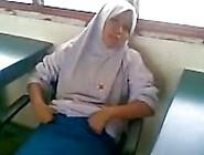 Horny Malay Teen In Hijab Fucks Her Bf