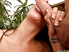 Dark Haired Curvy Babe With Nice Ass Kortney Kane Blows A Tool