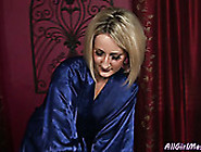 Torrid Blond Milf Eats Sweet Kitty Of Her Young Brunette Girlie
