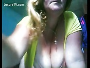 Horny Older Plumber Fucking Her Bedpost While Live On Cam Pornso