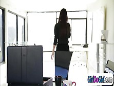 Georgia Jones Pussy Licked At The Office