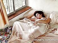 Hairy Girl Aixa Wakes Up Horny