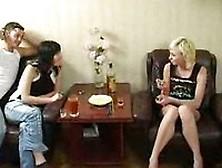 Cuatro Adolescentes Rusos Borrachos