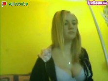 Blonde Masturbates On Stickam