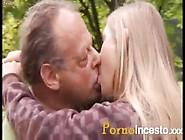 Rubia De 18 Vive Un Romance Con Su Abuelo - Www. Pornoincesto. Xxx