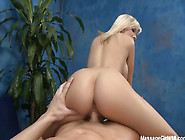 Bibi Jones - Massage