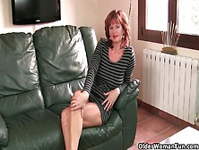 Olderwomanfun's Liddy,  Redheaded Mom Plays With Her Nipples And