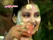 Choli Khol Dikha Dungi Bhojpuri