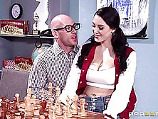 Naughty Girl,  Noelle Easton Has A Kink On Guys Who Are Playing C