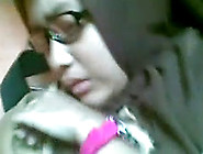 Kandal Pramuka Jilbab Berkacamata(Bokep4Update. Blogspot. Com). Mp4