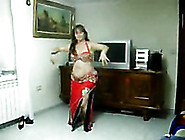 Chubby Arabic Cougar Lady Belly Dancing On The Webcam