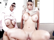 Slutty Muslim Arab In Hijab Mia Khalifa Sucking Dicks