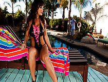 Milf Lisa Ann Seduces A Pool Guy