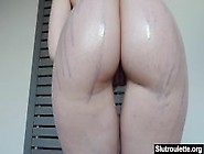 Ashley Shakes Her Big Phat Ass On Cam