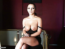 Liza Del Sierra With Giant Jugs Strips Down To Her Birthday Suit
