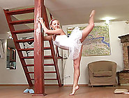 Sweet Extreme Flexible Teen Ballerina Gets Contototion Kamasutra