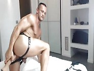 Straight Porn Actor Dorian Del Isla On Cam With His Fuckmachine