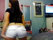 Gostosa Fica De Calcinha Na Webcam
