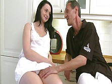 Chubby Beautiful Girl Tiffany Enjoys Passionate Pussy Licking In