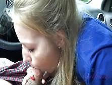 La Amateur Teen Scarlett Sage Hace Una Mamada En Pov En El Coche