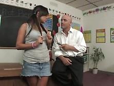 Samira Es Una Estudiante Seductora Y Muy Traviesa