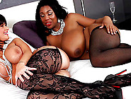 Charming Ebony Lesbian With Nice Ass Licking Juicy Pussy