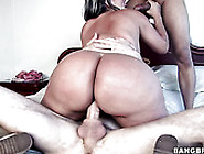 Thickalicious Colombian Milf Is Getting Fucked In Steamy Mmf Thr