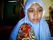 Indonesia- Jilbab Pamer Tubuh Webcam