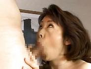 Hitomi Kurosaki Mature Japanese Donna Sucking