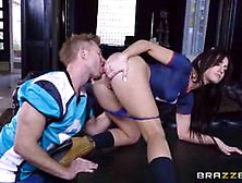Frustrated Jennifer White Rides Bill Bailey For A Hot Facial