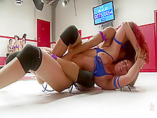 Sexy Daisy Ducati Takes On Rilynn Rae For One Round Of Sexual Su