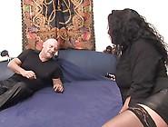 Bordell Zur Geilen Hausfrau