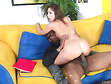 Sean Michaels Makes Giselle Leon Suck His Meaty Cock Non-Stop