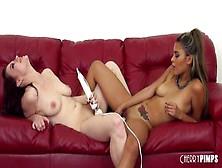 Lesbianas Divinas Jessica Ryan Y Josie Jagger Follando Duro En V