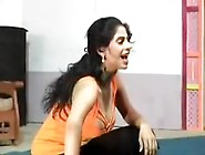 Nip Slide Fascinating Pakistani Mujra