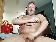 Daddy Bear Uses Nipple Clamps & Poppers To Cum On Cam