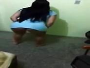 Vídeo Caseiro De Rabuda Dançando Funk Com Roupinha De Dormi
