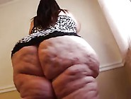 Ssbbw Showing Off Huge Booty