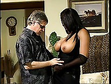 Carmen Hayes Gets Her Perfect Slit Filled Up With Stiff Cock