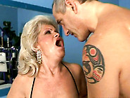 Sex-Starved Mature Whore Gets Her Pussy Drilled By A Fucking Mac